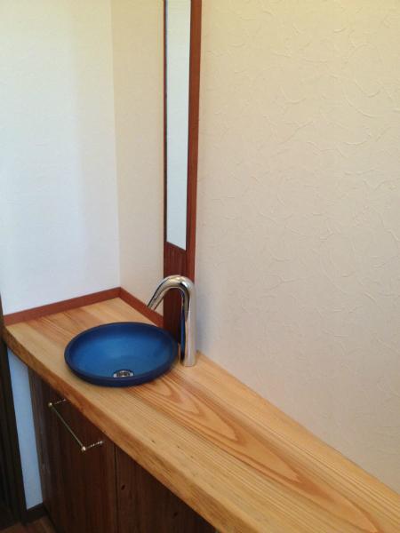 WC手洗い(材料:杉)